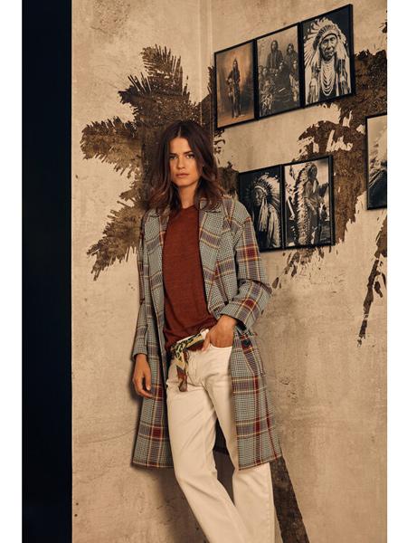 Diega国际品牌简约格子外套