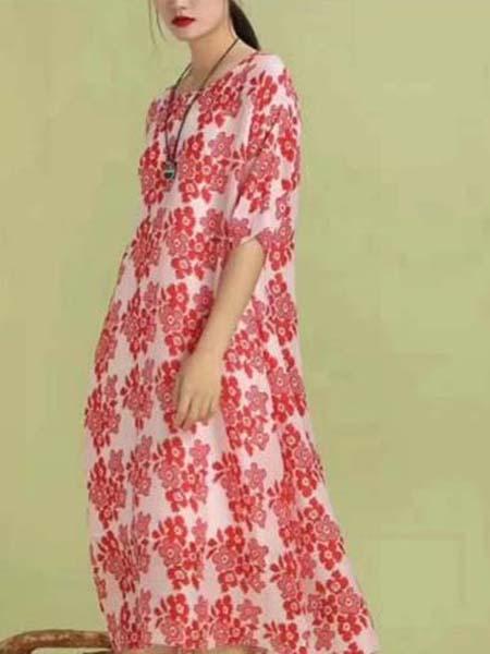 芝麻E柜女装品牌2020春夏小红花满图连衣裙