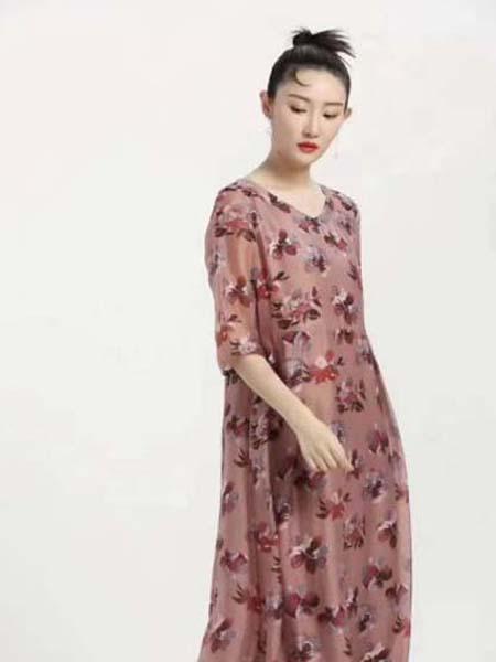 芝麻E柜女装品牌2020春夏花朵满图优雅诗意连衣裙