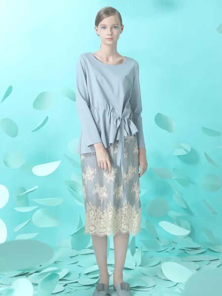 台绣女装品牌2020春夏蓝色圆领T恤长袖