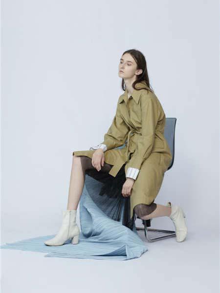 未知未觉女装品牌2020春夏英伦风长款外塔绿卡其色风衣