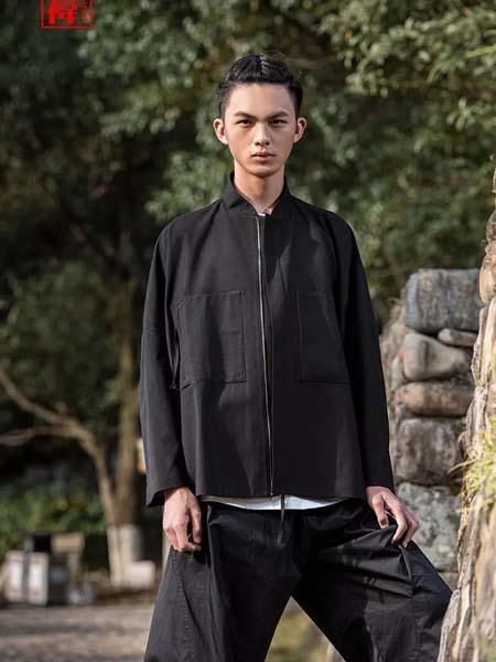 棣祎男装品牌2020春夏黑色外套方领