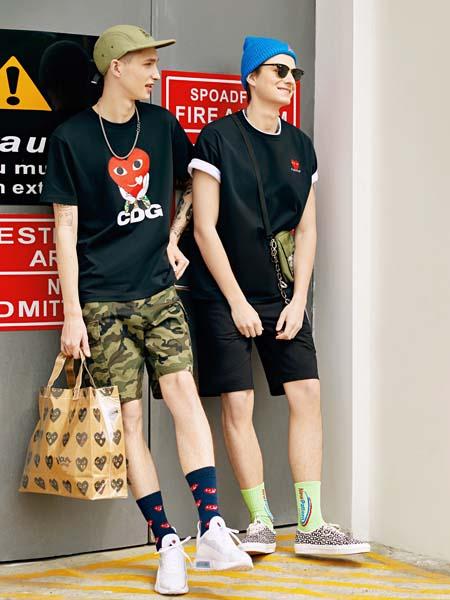 CDG女装品牌2020春夏爱心眼睛黑色T恤