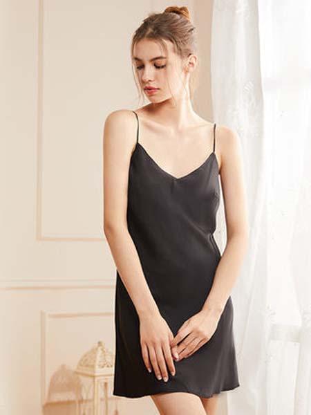 桃花季女装品牌2020春夏款舒适休闲简约冰雪丝带杯小短款女士吊带裙