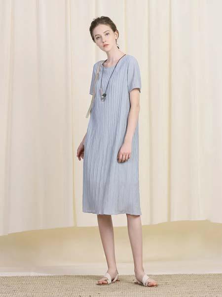 三淼女装品牌2020春夏圆领灰蓝色连衣裙