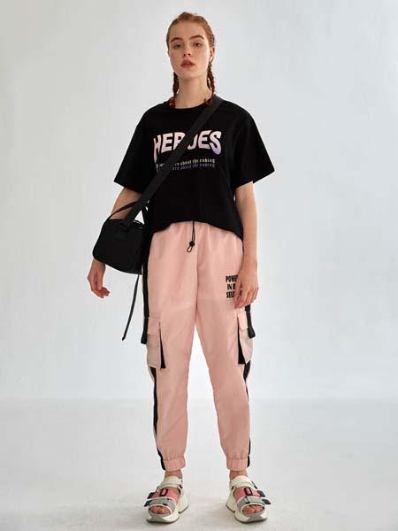 SY+女装品牌2020春夏字母黑色T恤