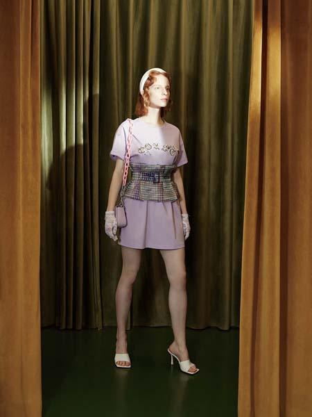 飘蕾女装品牌2020春夏腰封紫色连衣裙