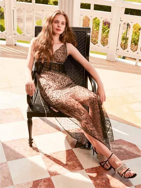 欧点女装品牌2020春夏吊带波点连衣裙深V修身性感