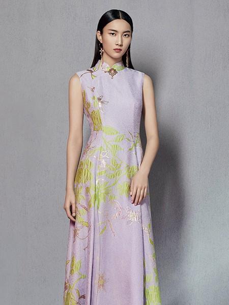 懿菲女装品牌2020春夏粉色旗袍连衣裙