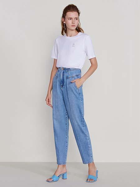 欧时力女装品牌2020春夏白色T恤牛仔长裤