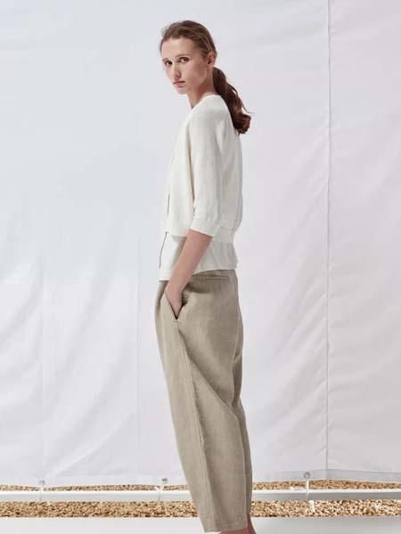 唯尚VESAS女装品牌彩38平台2020春夏白色雪纺衫浅咖色长裤