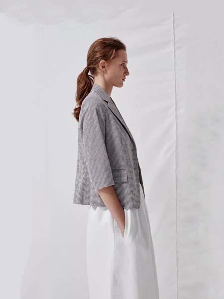 唯尚VESAS女装品牌2020春夏小格纹深灰色西装