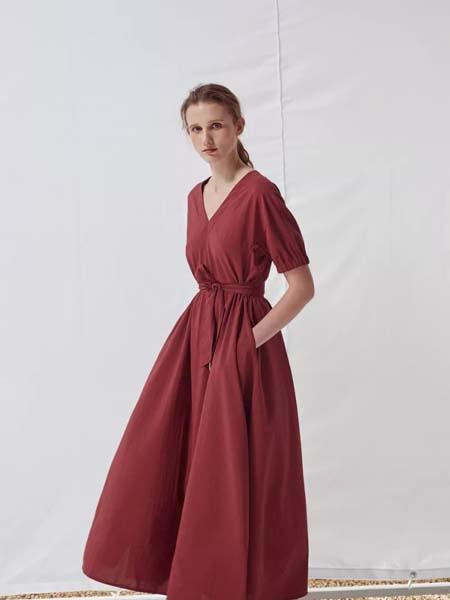 唯尚VESAS女装品牌2020春夏V领红色连衣裙