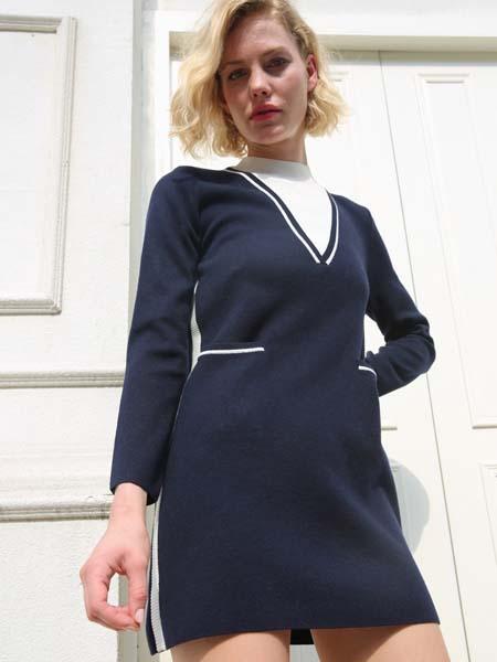 庄姿妮女装品牌2020春夏V领蓝色连衣裙针织