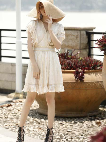 AttinaLife阿缇娜女装品牌2020春夏V领收腰连衣裙