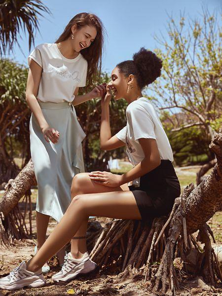 ANOTHER ONE女装品牌2020春夏圆领白色T恤