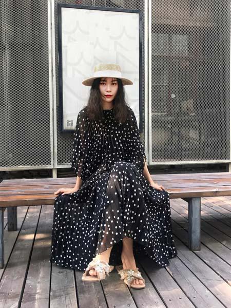 TITI女装品牌2020春夏雪纺衫黑色波点连衣裙