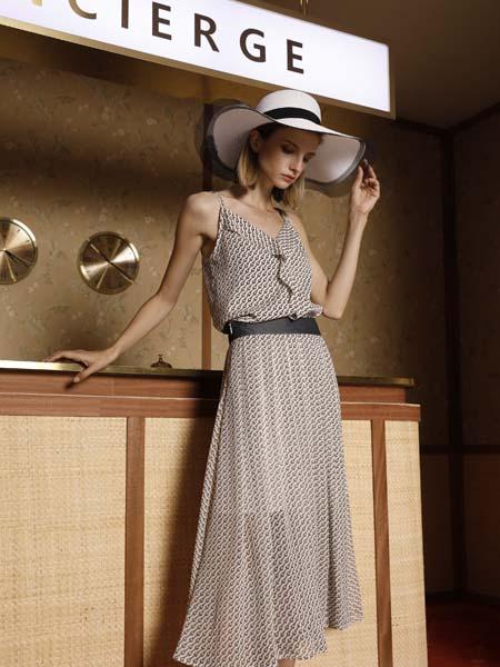 例格女装品牌2020春夏吊带裙灰色