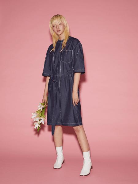 Viviano Sue国际品牌2020春夏收腰牛仔连衣裙