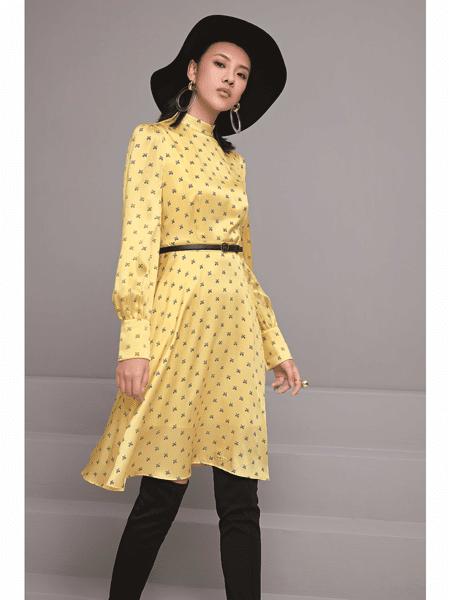 GELING 歌玲女装品牌2020春夏时尚波点收腰连衣裙