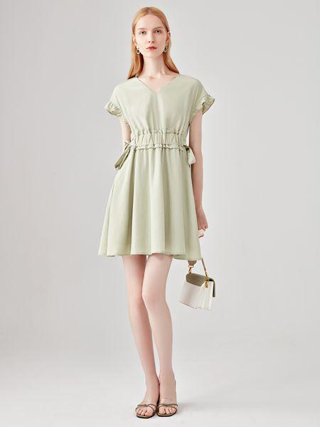 丽芮女装品牌2020春夏绿色V领连衣裙
