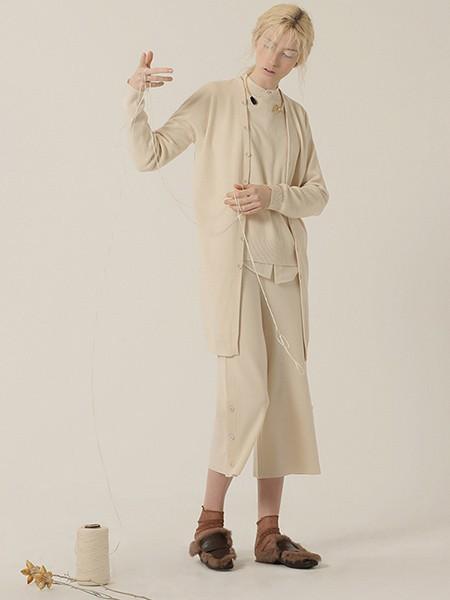 茶愫PURE TEA女装品牌2020春夏休闲针织衫外套
