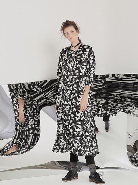 茶愫PURE TEA女装品牌2020春夏长款雪纺连衣裙