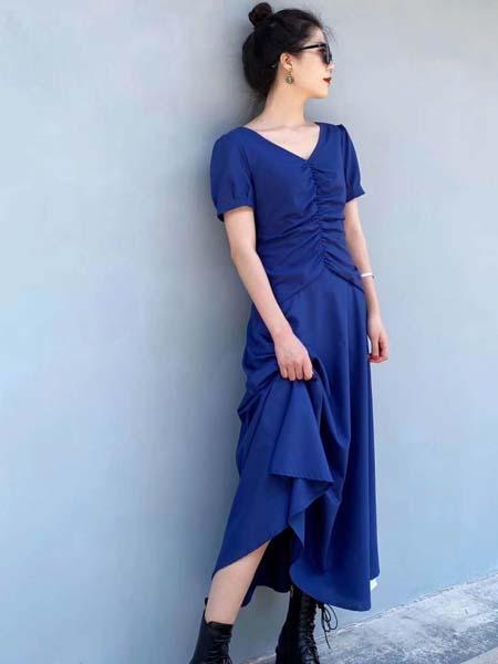 奕色女装品牌2020春夏V领蓝色连衣裙