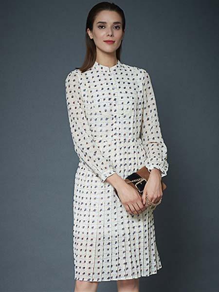 凯迪·米拉女装品牌2020春夏波点白色连衣裙