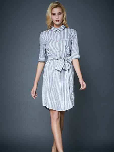 凯迪·米拉女装品牌2020春夏蓝纹连衣裙