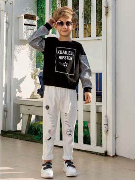 快乐精灵童装品牌2020春夏字母黑色针织卫衣