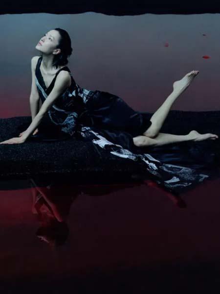 玛丝菲尔女装品牌2020春夏神秘杜鹃图连衣裙无袖清凉