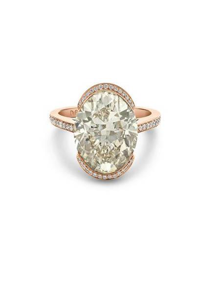 De Beers Diamond Jewellers钻石彩宝品牌花式颜色和白色梨形钻石戒指