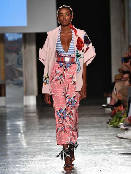 Stella Jean���H品牌品牌花色�L款外套