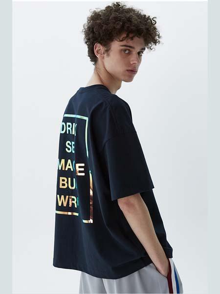 HEICH BLADE女装品牌2020春夏藏蓝色字母T恤