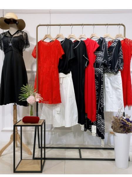 广州明言服饰品牌店铺展示