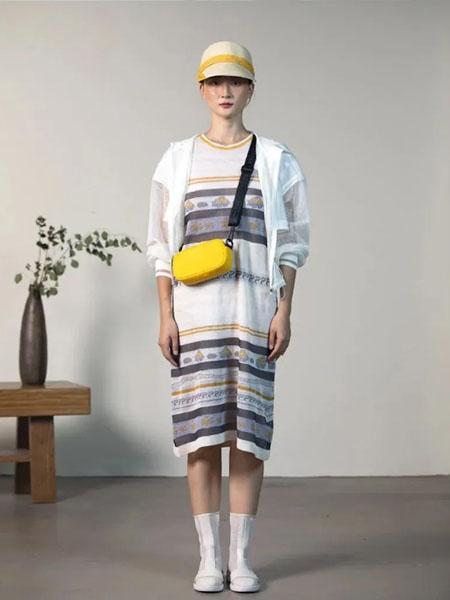 一城画一女装品牌2020春夏白色薄款外套