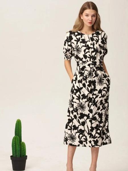 BABY MARY宝贝玛丽女装品牌2020春夏黑色枝叶花连衣裙修身