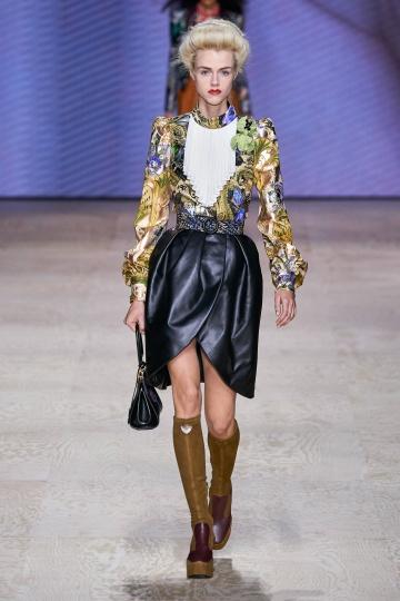"Louis Vuitton2020春夏高级成衣系列 重温""美好年代"""