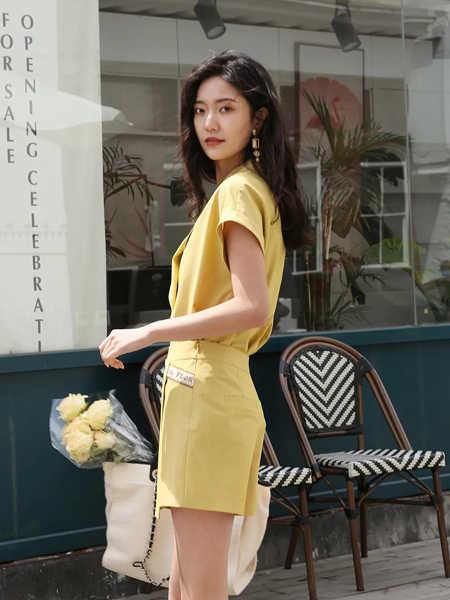 雪歌女装品牌2020春夏知性复古套装裙