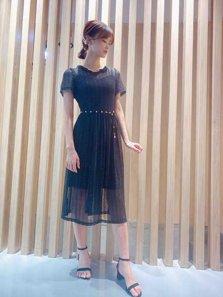 靓漫蒂女装品牌2020春夏时尚成熟收腰连衣裙