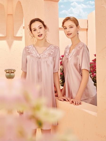 美标内衣品牌2020春夏V领粉色蕾丝睡裙