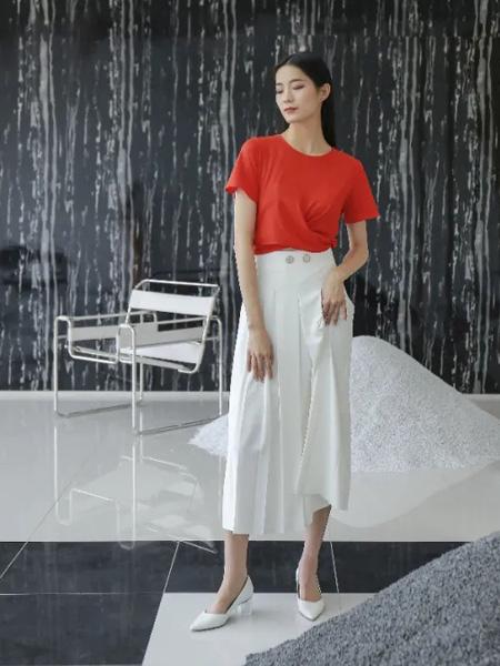 沫浅女装品牌2020春夏红色T恤