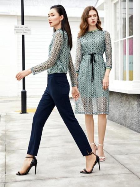 纤QIAN女装品牌2020春夏浅绿色雪纺衫