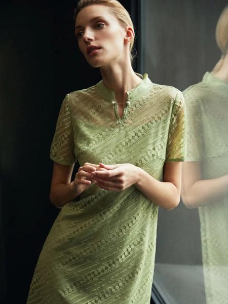 娜尔思女装品牌2020春夏绿色蕾丝连衣裙