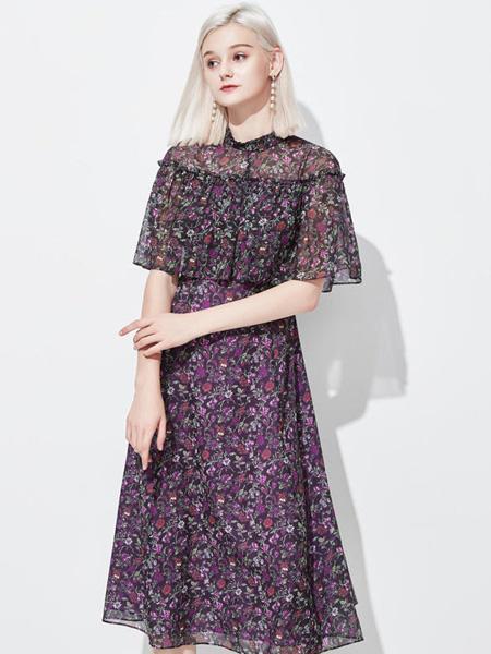 CHICHY女装品牌2020春夏碎花紫黑色连衣裙荷叶边