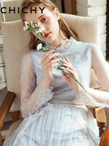 CHICHY女装品牌2020春夏蓝色蕾丝连衣裙