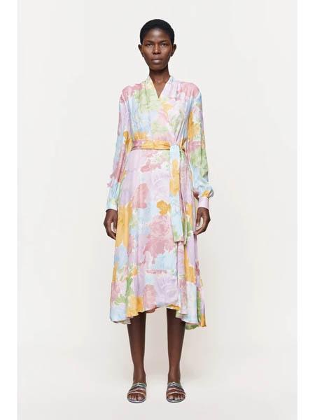 Stine Goya国际品牌碎花收腰v领连衣裙