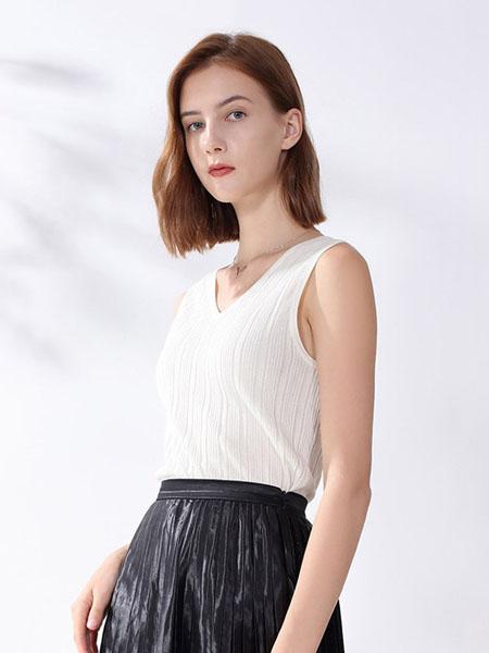 科蒙博卡女装品牌2020春夏顺滑丝绸背心