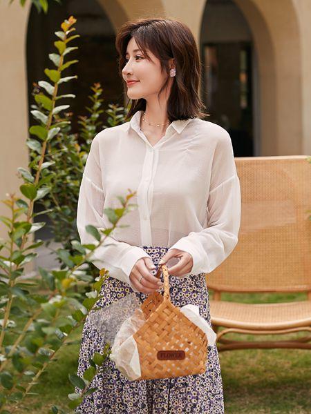 宝洛莎女装品牌2020春夏米色衬衫圆圈酒红色半裙
